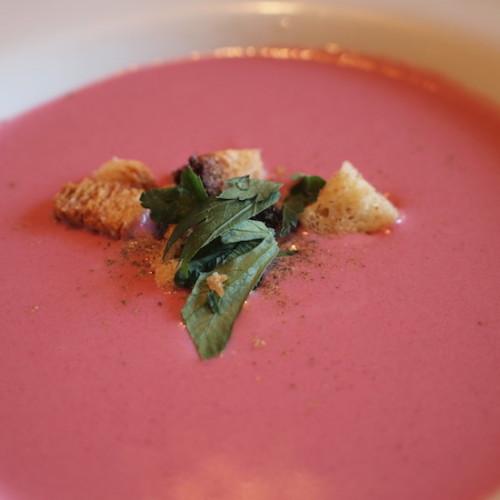 赤カブのスープ
