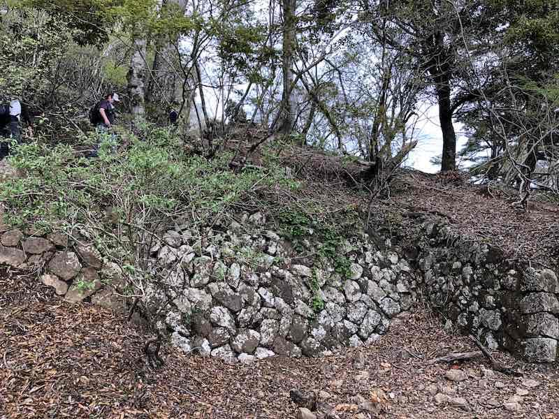 大山の参道の石垣
