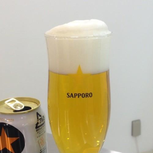 缶ビールの三度注ぎ