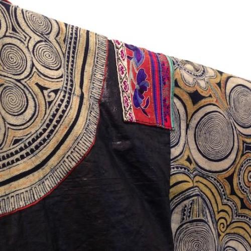 ミャオ族の衣裳